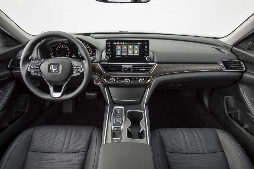 0T 087-1200x800.2018 Honda Accord Touring 2.jpg