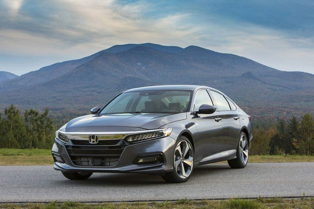2018 Honda Accord Touring 2-1200x800.jpg